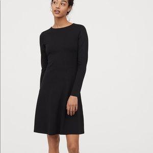 ⭐️2 for $20⭐️EUC H&M long sleeves t-shirt dress